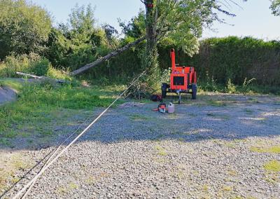 Débitage du arbre abattu par une tempête à saint philbert de grand lieu.